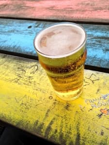 beer-on-painted-table-1444296-m