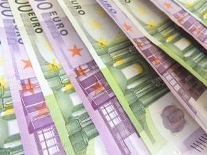 money-171544_640-300x225