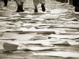 walking-on-the-papers-1127845-m
